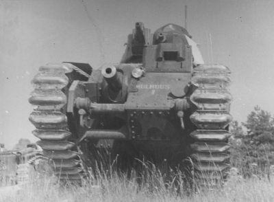"""[photo] le char B1bis """"Mulhouse"""" abandonné du côté d'Orléans le 15 Juin 1940 B1%20112%20mulhouse%2001"""