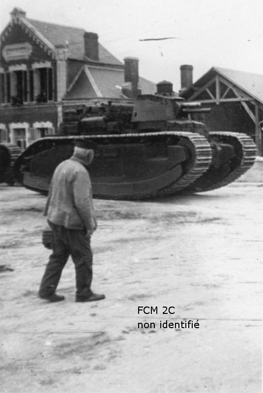Matériels, armement, bateaux, avions en 1940  Fcm2c_006