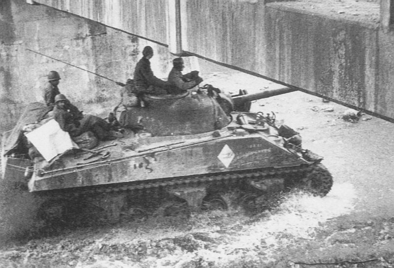 1944 1er REGIMENT DE CHASSEURS D'AFRIQUE - JMO